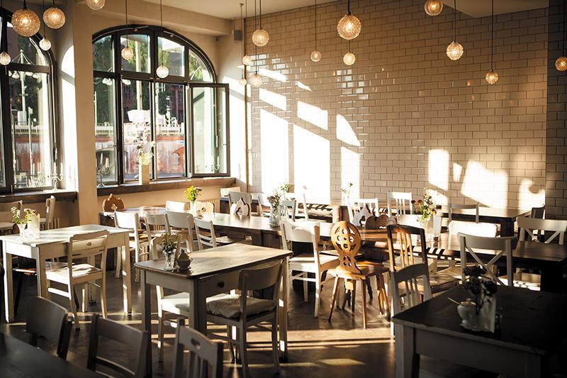 michelberger hotel cabare cafe bar restaurant. Black Bedroom Furniture Sets. Home Design Ideas