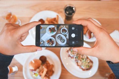 8 συμβουλές για να βελτιώσεις άμεσα τις φωτογραφίες εστιατορίου