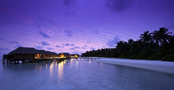 Conrad-Maldives_Superior-Water-Villa-1
