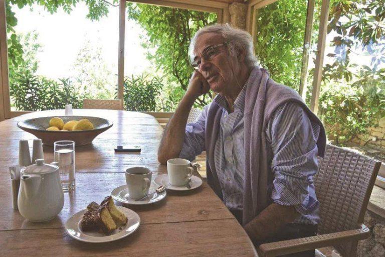 Ο εμπνευστής και δημιουργός του «Kapsaliana Village» Μύρωνας Τουπογιάννης.