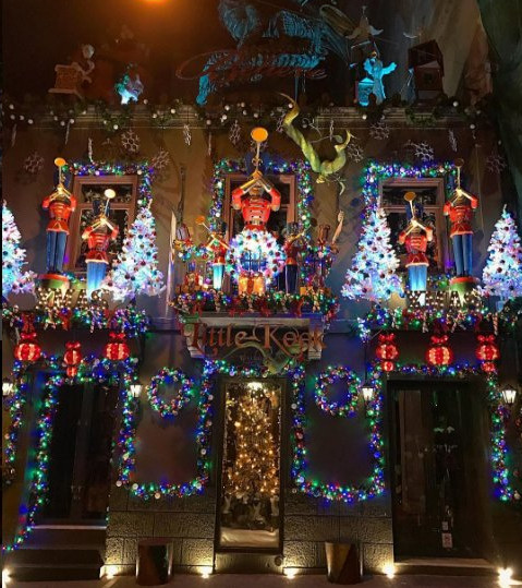 Σε αυτά τα αθηναϊκά καφέ θα μπείτε στο πνεύμα των Χριστουγέννων