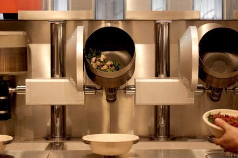 Σε αυτό το εστιατόριο μαγειρεύουν ρομπότ!