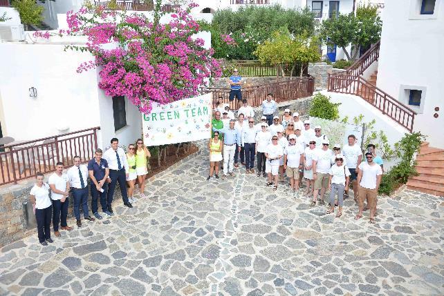 Δύο από τα παλαιότερα Κρητικά έθιμα αναβιώνουν στο Creta Maris Beach Resort