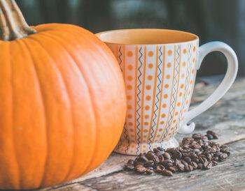 Η απόλυτη τάση Καφέ της εποχής έχει χρώμα πορτοκαλί