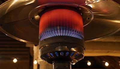 Επιδότηση κατά 50% για αγορά θερμαστρών σε καφέ, μπαρ και εστιατόρια