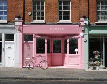 Εστιατόριο «Humble Pizza»- Το Child Studio επαναπροσδιορίζει ένα εμβληματικό ροζ Formica cafe για το Chelsea του Λονδίνου