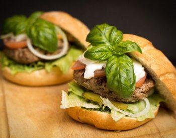 Πώς θα εξελιχθεί το Fast food; Ποιά τρόφιμα - ποτά θα κυριαρχήσουν;