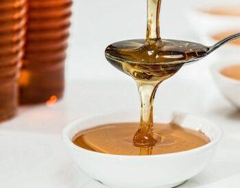 Μέλι στον καφέ: Ποια είδη είναι τα ιδανικά;