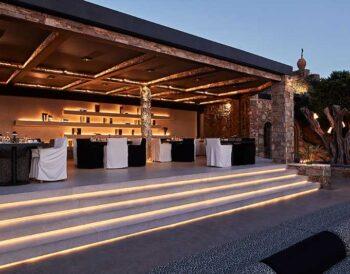 Ξανά στη γαστρονομική ελίτ της Ελλάδας το Liostasi Hotel της Ίου με τον τρίτο Χρυσό Σκούφο